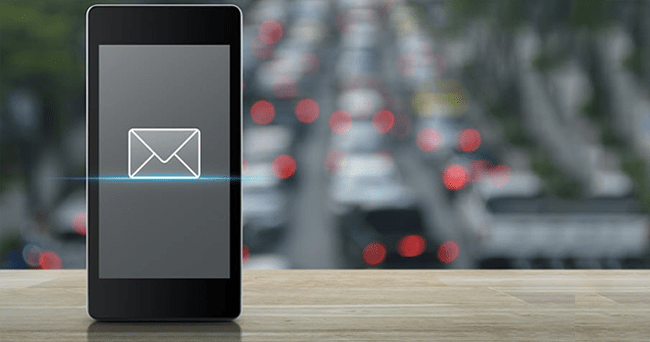 Emails V/s Instant Messaging For Employee Communication – What's Effective And Why